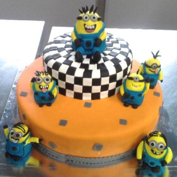 Minions Special Cake
