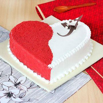 Dual Shade Red Velvet Cake